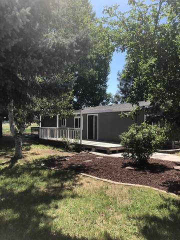 3900 NE 17th Street, Redmond, OR 97756 (MLS #220105397) :: Bend Homes Now