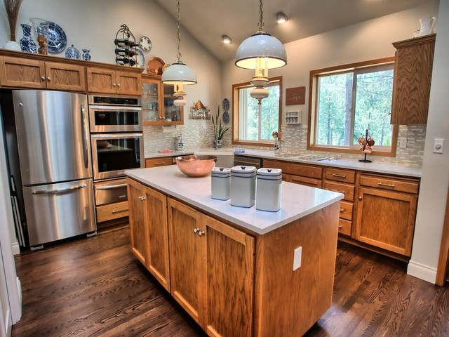 18025-18 Camas Lane, Sunriver, OR 97707 (MLS #220105683) :: Fred Real Estate Group of Central Oregon