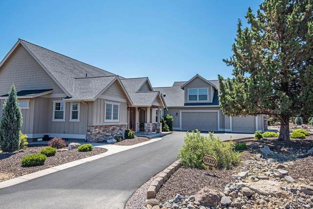 9020 Merlin Drive, Redmond, OR 97756 (MLS #220105768) :: Bend Relo at Fred Real Estate Group