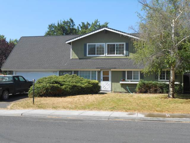 4347 Myrtlewood Drive, Klamath Falls, OR 97603 (MLS #220105797) :: The Payson Group