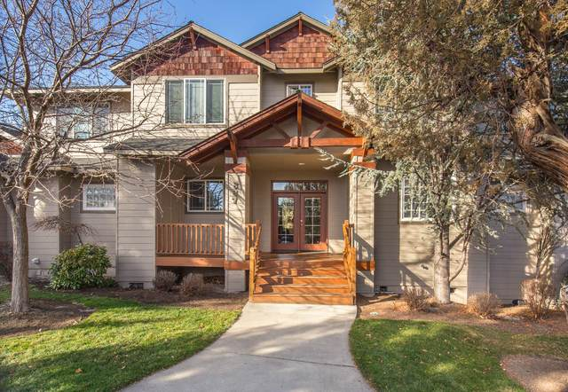 887 Golden Pheasant Drive, Redmond, OR 97756 (MLS #220105845) :: Fred Real Estate Group of Central Oregon