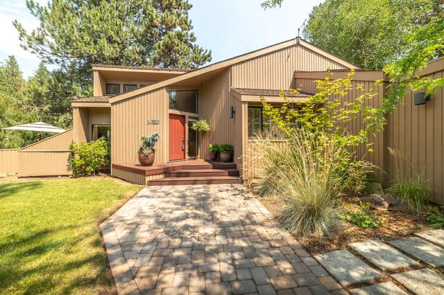 2020 NW Putnam Road, Bend, OR 97703 (MLS #220106013) :: Berkshire Hathaway HomeServices Northwest Real Estate