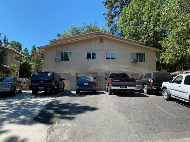 1017 NW C Street, Grants Pass, OR 97526 (MLS #220106029) :: The Payson Group