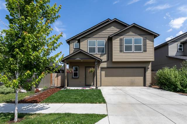 1738 SW 36th Way, Redmond, OR 97756 (MLS #220106047) :: CENTURY 21 Lifestyles Realty