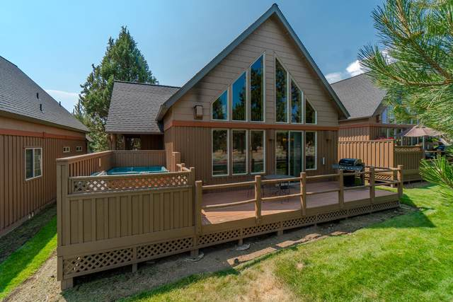 8582 Red Wing Lane, Redmond, OR 97756 (MLS #220106082) :: Fred Real Estate Group of Central Oregon