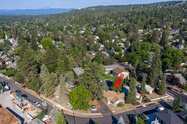 1563 NW 1st Street, Bend, OR 97703 (MLS #220106146) :: Fred Real Estate Group of Central Oregon