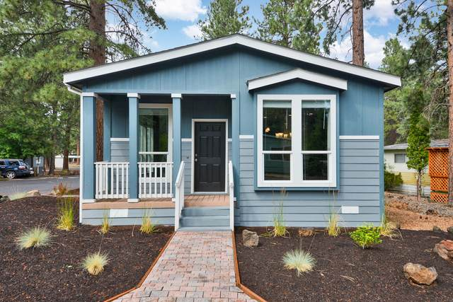 61040 S Queens Drive #18, Bend, OR 97702 (MLS #220106221) :: Berkshire Hathaway HomeServices Northwest Real Estate