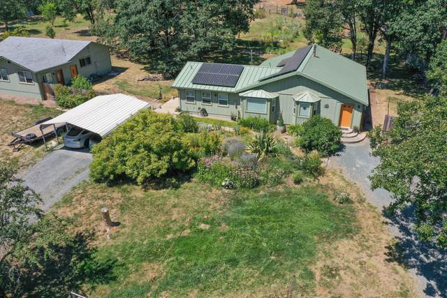 304 Savage Creek Road, Grants Pass, OR 97527 (MLS #220106268) :: The Ladd Group