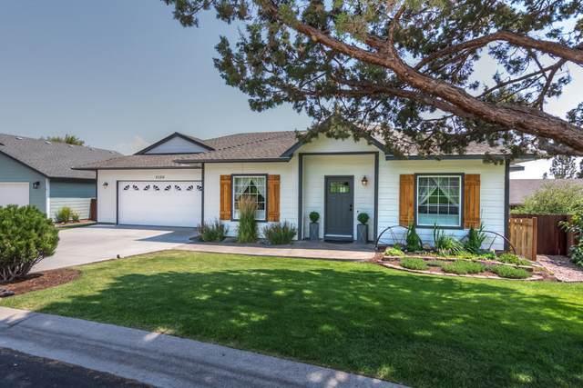 2526 SW Valleyview Drive, Redmond, OR 97756 (MLS #220106273) :: Berkshire Hathaway HomeServices Northwest Real Estate