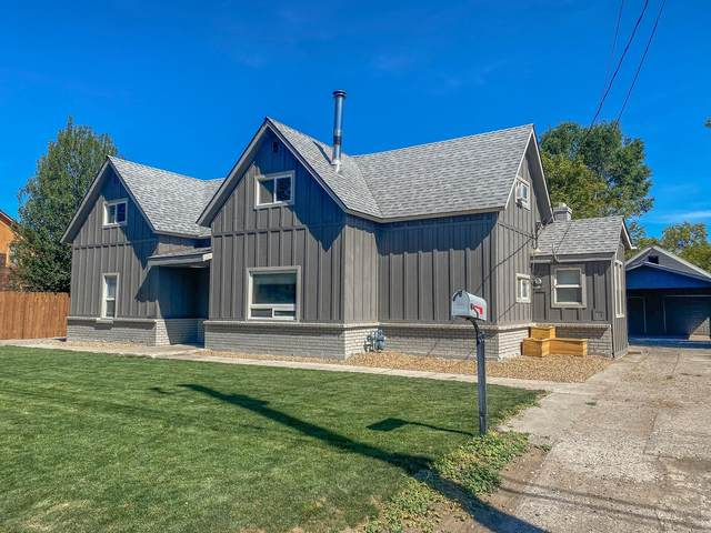 267 NW 5th Street, Prineville, OR 97754 (MLS #220106308) :: Fred Real Estate Group of Central Oregon