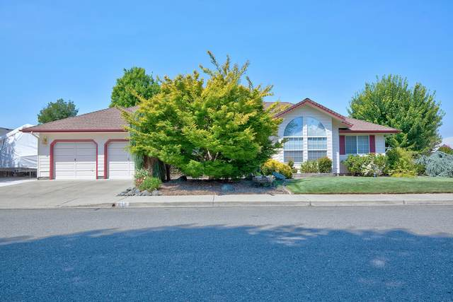 648 SW Leonard Street, Grants Pass, OR 97526 (MLS #220106326) :: The Ladd Group