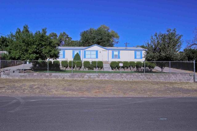 862 SW 2nd Street, Madras, OR 97741 (MLS #220106346) :: Berkshire Hathaway HomeServices Northwest Real Estate