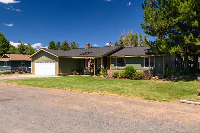 2565 SW Evergreen Avenue, Redmond, OR 97756 (MLS #220106361) :: The Ladd Group