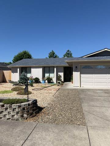 2551 Paloma Avenue, Medford, OR 97504 (MLS #220106377) :: The Ladd Group
