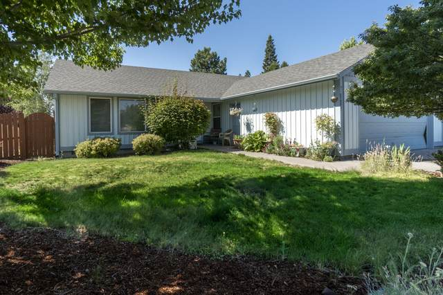 20208 Morgan Loop, Bend, OR 97703 (MLS #220106419) :: Fred Real Estate Group of Central Oregon