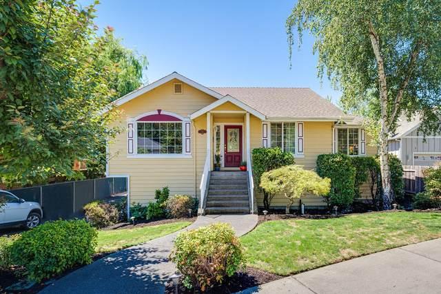 761 NE Dewey Drive, Grants Pass, OR 97526 (MLS #220106495) :: Berkshire Hathaway HomeServices Northwest Real Estate