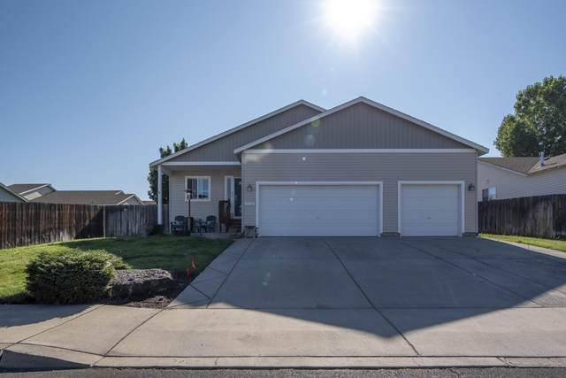 2938 NW 9th Place, Redmond, OR 97756 (MLS #220106498) :: Stellar Realty Northwest