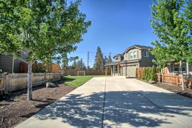 21217 SE Golden Market Lane, Bend, OR 97702 (MLS #220106533) :: Berkshire Hathaway HomeServices Northwest Real Estate