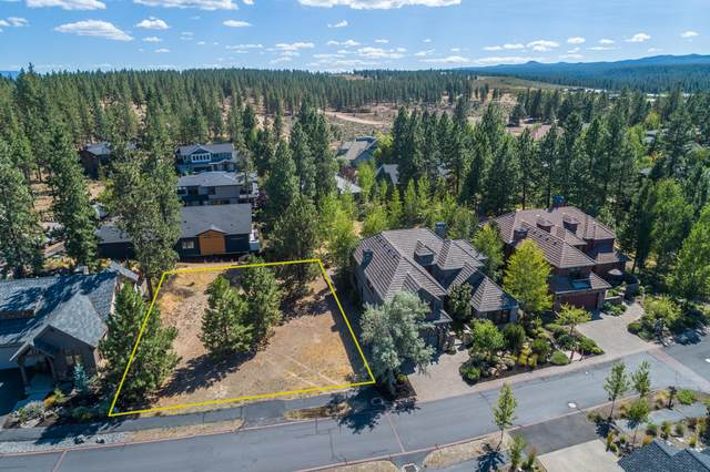 19049 Mt Shasta Drive, Bend, OR 97703 (MLS #220106538) :: Berkshire Hathaway HomeServices Northwest Real Estate