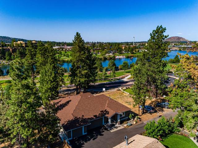 19861 Alderwood Circle, Bend, OR 97702 (MLS #220106552) :: Berkshire Hathaway HomeServices Northwest Real Estate