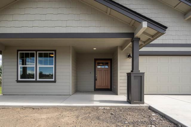 3434 NW Birch Avenue, Redmond, OR 97756 (MLS #220106606) :: Fred Real Estate Group of Central Oregon