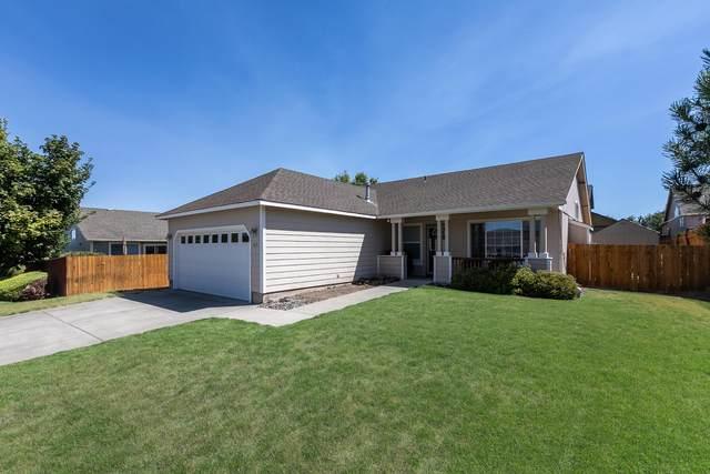 445 NE Hillcrest Street, Madras, OR 97741 (MLS #220106623) :: Windermere Central Oregon Real Estate