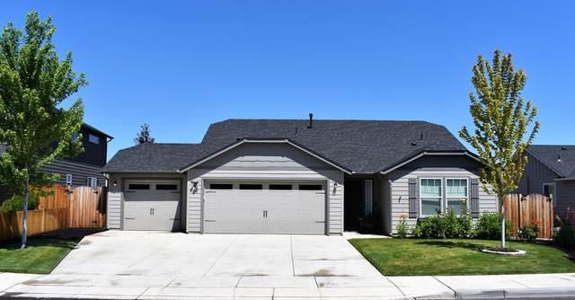 1581 NW 18th Street, Redmond, OR 97756 (MLS #220106647) :: Stellar Realty Northwest