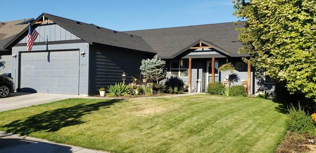2831 NW 22nd Street, Redmond, OR 97756 (MLS #220106665) :: Fred Real Estate Group of Central Oregon