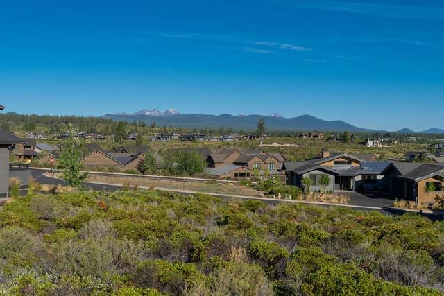 61366 Lost Hollow Loop, Bend, OR 97702 (MLS #220106701) :: The Ladd Group
