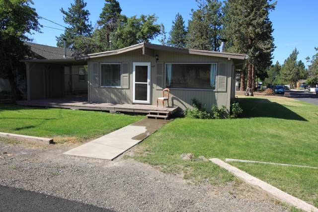 480 SE Cleveland Avenue, Bend, OR 97702 (MLS #220106744) :: Bend Relo at Fred Real Estate Group
