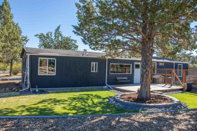 1502 SE Akins Drive, Prineville, OR 97754 (MLS #220106752) :: Fred Real Estate Group of Central Oregon