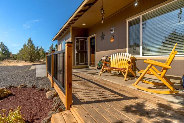 12736 SW Wheat Grass Road, Terrebonne, OR 97760 (MLS #220106782) :: Bend Homes Now