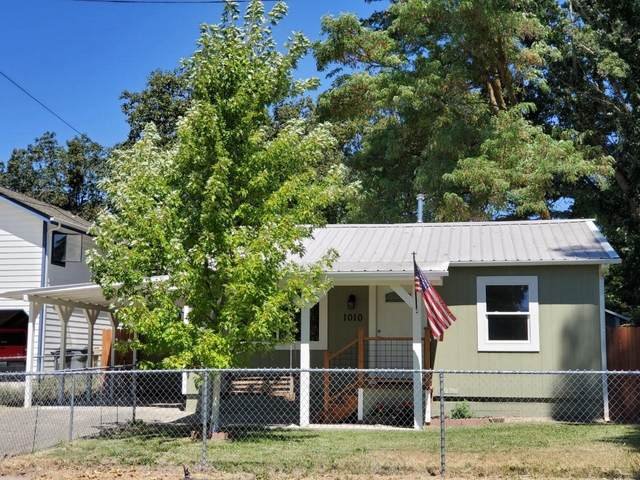 1010 SW Isham Street, Grants Pass, OR 97526 (MLS #220106792) :: FORD REAL ESTATE