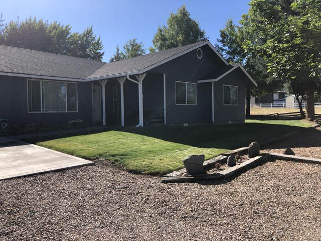 7958 SW Yahooskin Drive, Powell Butte, OR 97753 (MLS #220106831) :: The Ladd Group