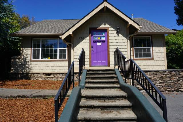 880 NE 7th Street, Grants Pass, OR 97526 (MLS #220106834) :: Premiere Property Group, LLC
