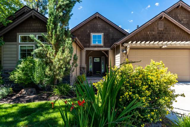 61343 Gorge View Street, Bend, OR 97702 (MLS #220106838) :: Fred Real Estate Group of Central Oregon