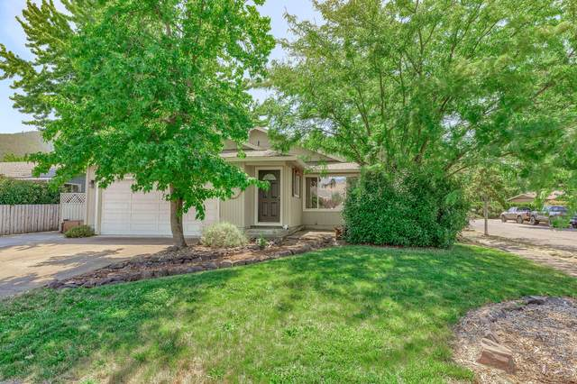 1520 Lithia Way, Talent, OR 97540 (MLS #220106857) :: The Ladd Group