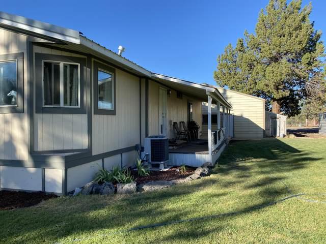 5255 NW Homestead Way, Redmond, OR 97756 (MLS #220106970) :: Bend Homes Now