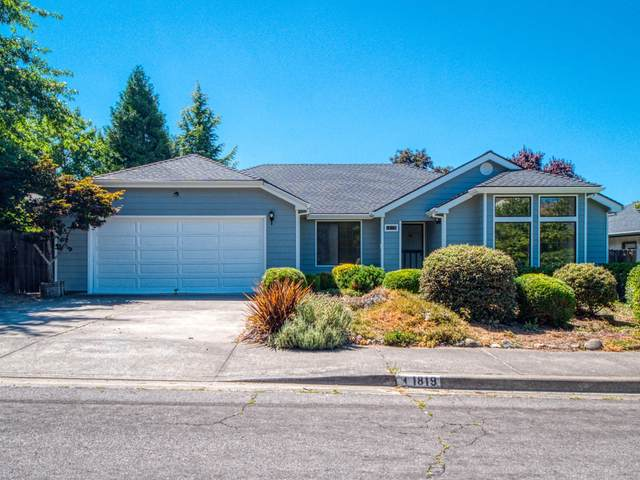 1819 Willow Glen Way, Medford, OR 97504 (MLS #220106984) :: FORD REAL ESTATE