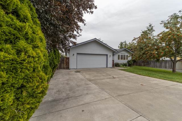 654 NW 21st Court, Redmond, OR 97756 (MLS #220107019) :: Bend Homes Now