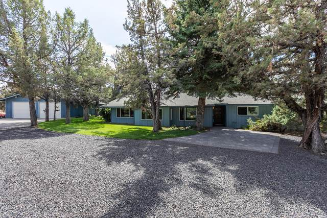 3888 NW Arrowhead Lane, Redmond, OR 97756 (MLS #220107104) :: Bend Relo at Fred Real Estate Group