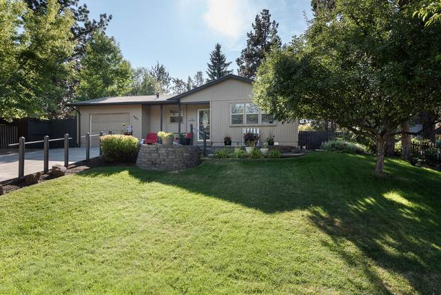 903 SE 6th Street, Bend, OR 97702 (MLS #220107120) :: Bend Relo at Fred Real Estate Group