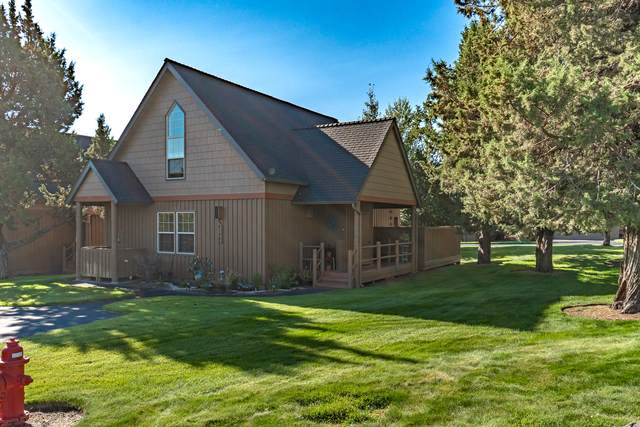 8598 Red Wing Lane, Redmond, OR 97756 (MLS #220107137) :: Bend Relo at Fred Real Estate Group