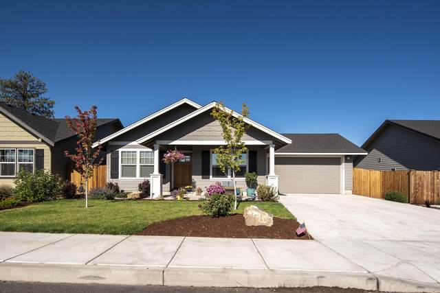 2069 NE 3rd Street, Redmond, OR 97756 (MLS #220107159) :: Bend Relo at Fred Real Estate Group