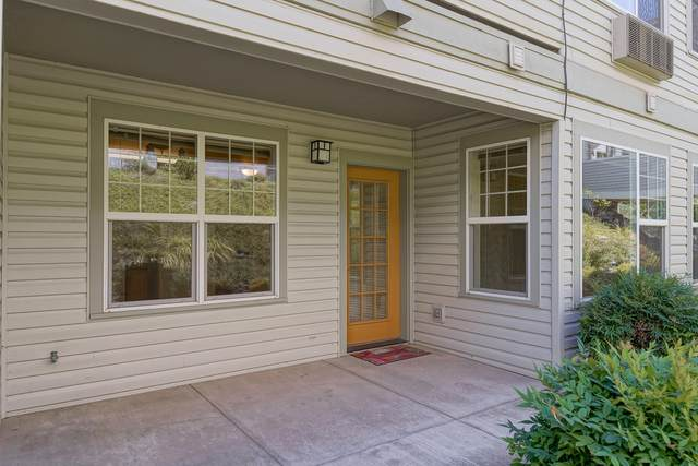931 Mountain Meadows Circle, Ashland, OR 97520 (MLS #220107189) :: The Riley Group