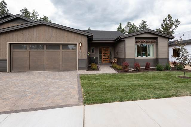 20329 SE Chandler Egan Way, Bend, OR 97702 (MLS #220107335) :: Fred Real Estate Group of Central Oregon