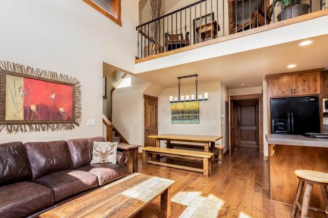 56610-3 Dancing Rock Loop, Bend, OR 97707 (MLS #220107470) :: Windermere Central Oregon Real Estate