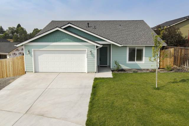 1335 NE Pippen Court, Prineville, OR 97754 (MLS #220107490) :: Fred Real Estate Group of Central Oregon