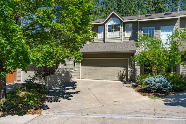 122 SW 17th Street, Bend, OR 97702 (MLS #220107504) :: Coldwell Banker Bain