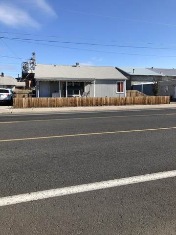 275 NW 9th Street, Prineville, OR 97754 (MLS #220107674) :: Coldwell Banker Sun Country Realty, Inc.
